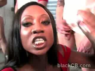 Berpayu dara besar hitam babe diamond jackson vs hung putih geng