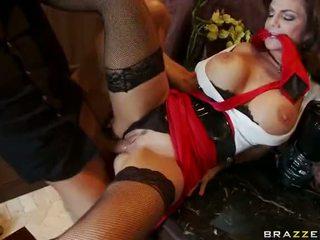 成熟 deauxma squirting 和 肛交 他妈的 视频