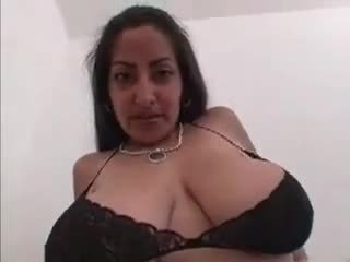 pijpen, grote borsten, indisch