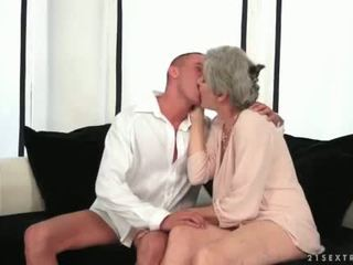 zuigen, oud, grootmoeder