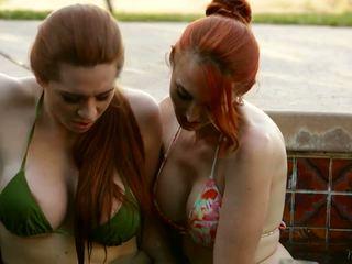 spuitende, grote borsten, lesbiennes