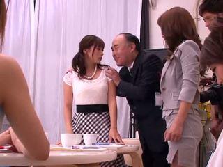 Akiho yoshizawa, mika kayama e yuma asami eccentrico attività