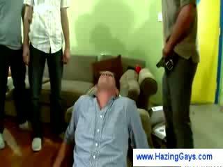 Gay gets humiliated da fisting