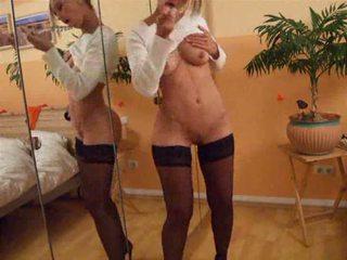 Smashing hot blonde masturbates Video