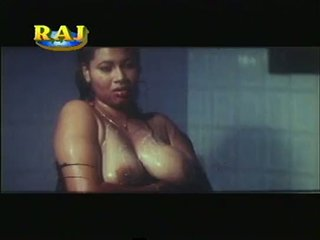 Mallu erotický scény sestavování [courtesy:http://spicymasalavideos.blogspot.com]