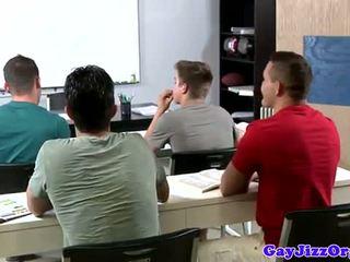 Cumshot loving leraar dominated in klasse