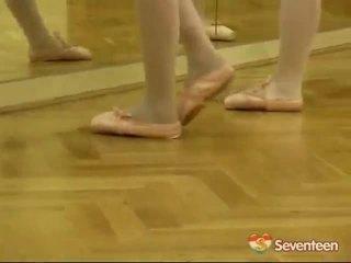 Правової вік teenagerage ballet дівчинки