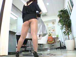 Reiko nakamori seksi barber dalam pantyhose