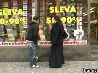 Lemu buku cacing asu gets pounded by a stranger
