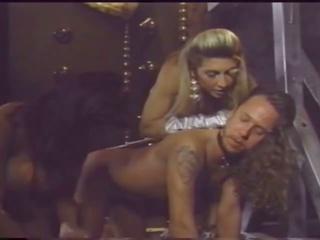 Pechugona señora has diversión con su slaves, porno fa