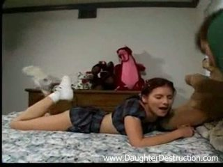 Stepdad 和 他的 女兒