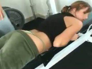 Loretta loren gets körd vid den gym