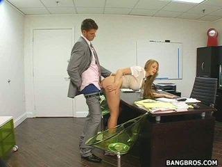 lielas krūtis, ķircināt, birojs