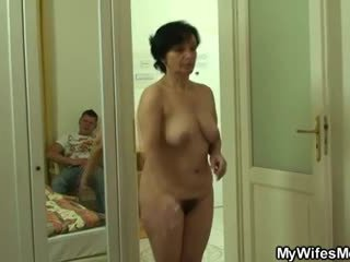 Son-in-law drills henne gammal hårig snatch