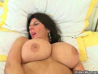 Uk ميلف lulu lush و silky thighs حاجة orgasmic.