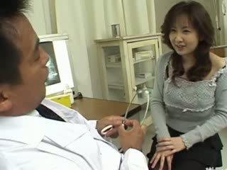 Medic dibencaurums fucked viņa pacients rupjības