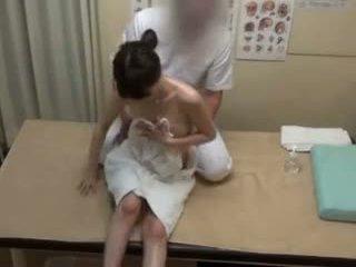 Spycam reluctant teengirl seduced mukaan masseur
