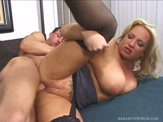 Feit mamma having sex med henne stepson