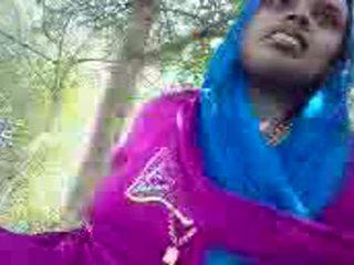 Punjabi aunty giving sega in il park