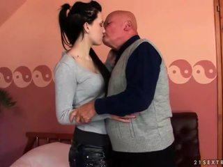 ruskeaverikkö, hardcore sex, suuseksi