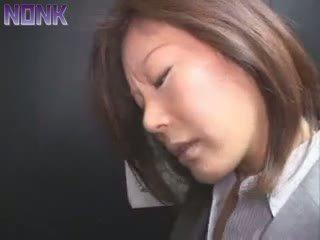 Purjus äri naine was lihtne prey jaoks elevator maniac