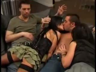 Elizabeth lawrence ใน ดาราหนังโป๊ เซ็กส์สามคน