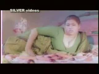 Indiškas aktorė maudymasis ir dulkinimasis į švelnus filmas