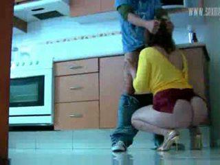 Κεράτωμα σύζυγος ia ένα καυλωμένος/η πόρνη βίντεο