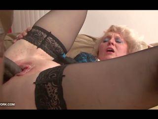 Hitam zakar/batang craving untuk nenek dalam tegar antara kaum