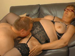 Xxx omas - amatir german mbah takes jago and cum on