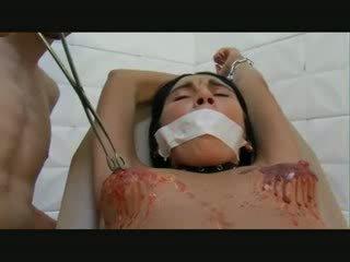 Възрастни момиче хардкор путка изтезание