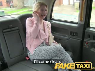 Faketaxi 角质 顾客 calls taxi bluff