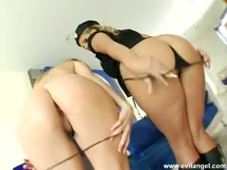 Phoenix marie & harmony rose slutty cul lickers