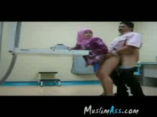 Başlyk sikiş hijab kätib at work