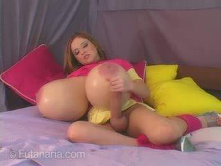 大規模 奶 和 一 公雞 視頻