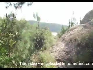 Muda amatur liar fuck manakala mountain hiking