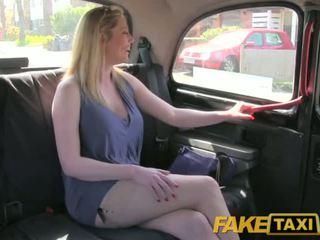 Faketaxi sporco inglese panterona è felice a cazzo il london taxi driver