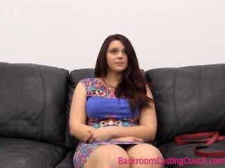 Sexuálne psychology 101 - kásting gauč lesson s painal