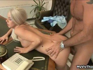 角質 ブロンド かわいい 娼婦 gets 彼女の タイト