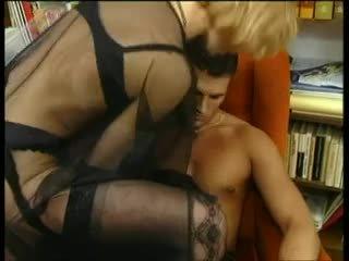 나일론 엄마는 내가 엿 싶습니다 - 있다 재미 에 그녀의 섹시한 nylons