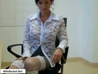 Hot mom fucked in kantor video