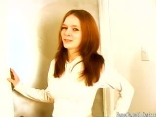 امرأة سمراء, سخيف, أحمر الشعر
