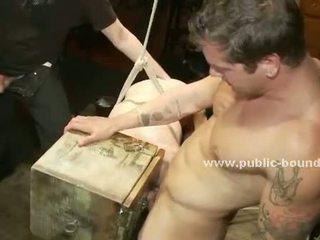 Ropes houden homo sterk slaaf nauw