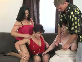 Oma en rondborstig moeders sharing jong zoon, porno ad