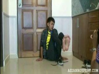 junge, füße, junge asiatische jungfrauen