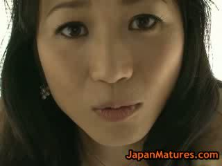 Asiatico matura natsumi kitahara spogliarsi