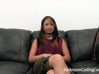 Anāls loving vietnamese-german karaspēks meitene par kastings dīvāns