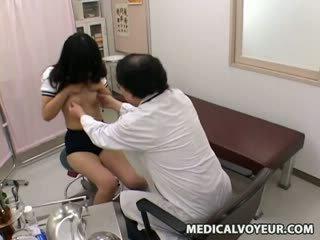 Skolniece ārsts examination sp.