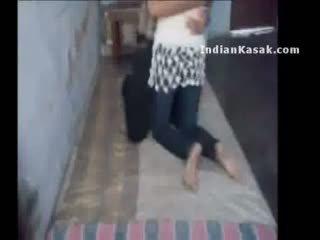 印度人 delhi 學院 lovers enjoying 在 他們的 室