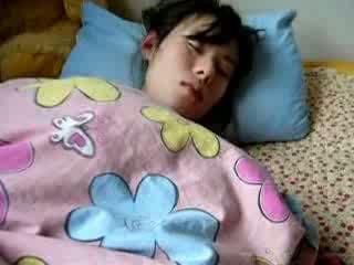Natutulog asawang babae mabuhok puke gets fingered video